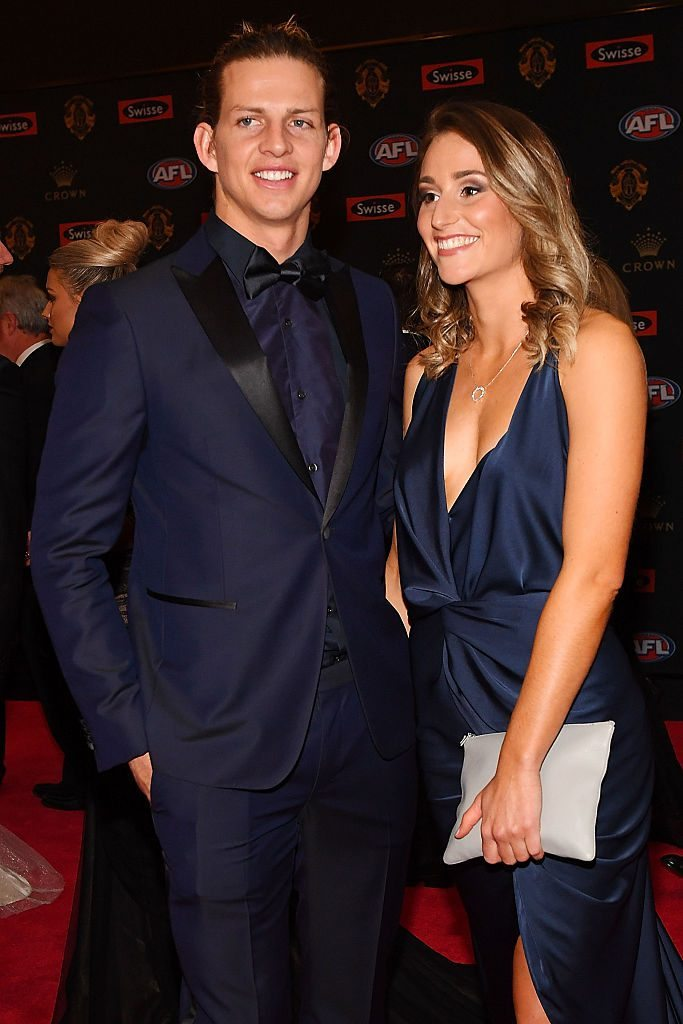 MELBOURNE, AUSTRALIA - SEPTEMBER 26: Nathan Fyfe of Fremantle (L) and partner Elli Bradshaw arrive ahead of the 2016 Brownlow Medal at Crown Entertainment Complex on September 26, 2016 in Melbourne, Australia. (Photo by Quinn Rooney/Getty Images)